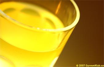 ÚVAHA: Žlutá limonáda – kulturní dědictví?