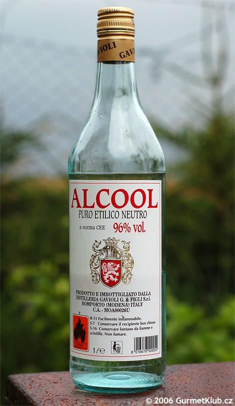 TEST: Čistý alkohol - potravina nebo chemikálie